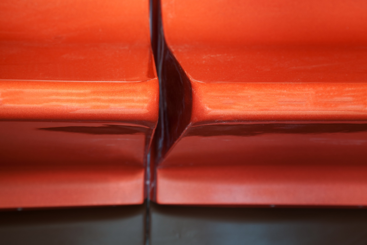 detail-acrylic-seats-1